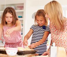 아이가 요리체험하는 모습